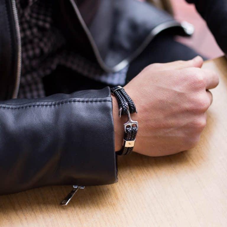 Casual - acél horgonyos fekete bőr karkötő